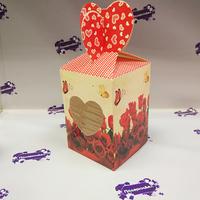 Коробка подарочная для КРУЖКИ с окном Розы с бабочкой