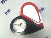 Часы пластиковые СЕРДЦЕ 19,5*9 черно-красные